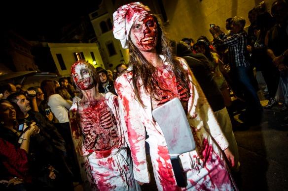 10 - 10 - 2015 / Sitges / Zombie Walk - Desfile de zombies por las calles de Sitges / Foto: Llibert Teixido