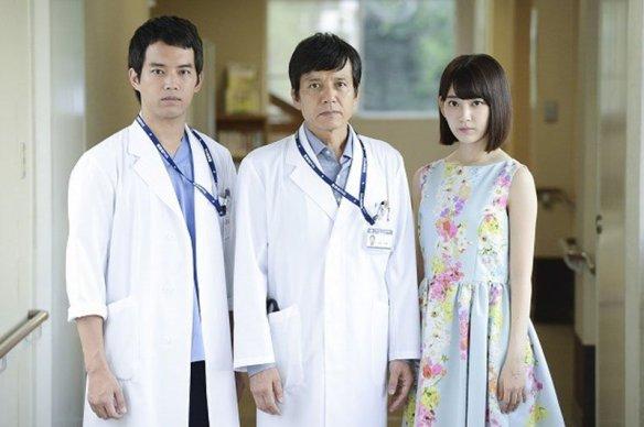 hkt48-miyawaki-sakura-dorama-doctor-y-gekai-kaji-hideki